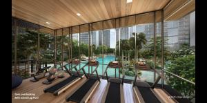 Treasure At Tampines 悦湖苑 gym pool view